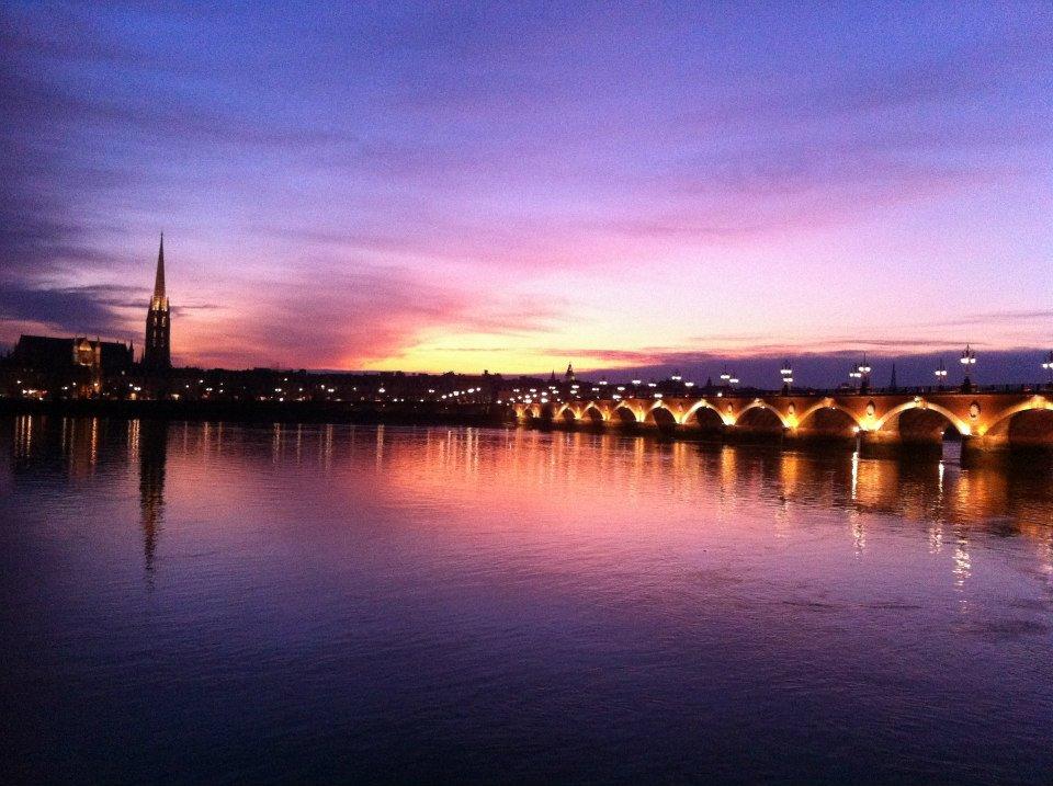 L 39 histoire du pont de pierre de bordeaux - Les ponts de bordeaux ...