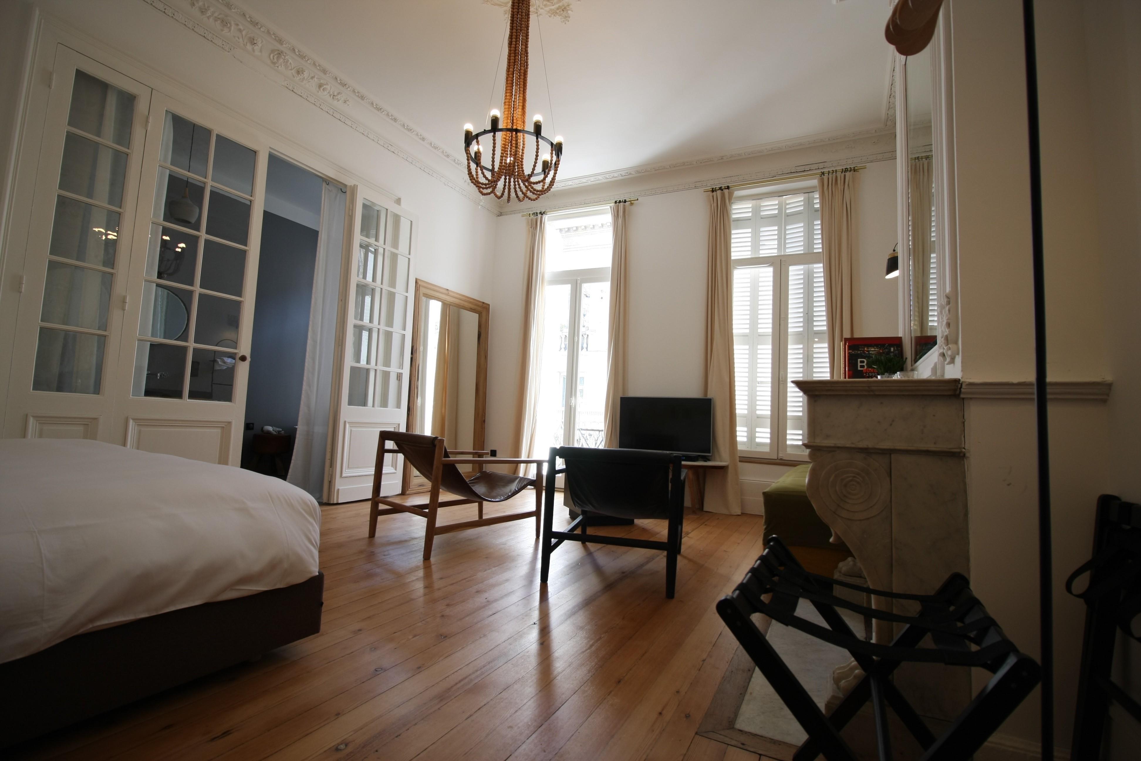 La maison d 39 h tes casa blanca bordeaux for Une chambre en ville bordeaux