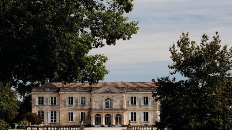 Les Bons Plans à Bordeaux : Pour les Portes Ouvertes en Médoc, Johanna, responsable œnotourisme/réceptif au Château du Taillan à répondu à nos questions