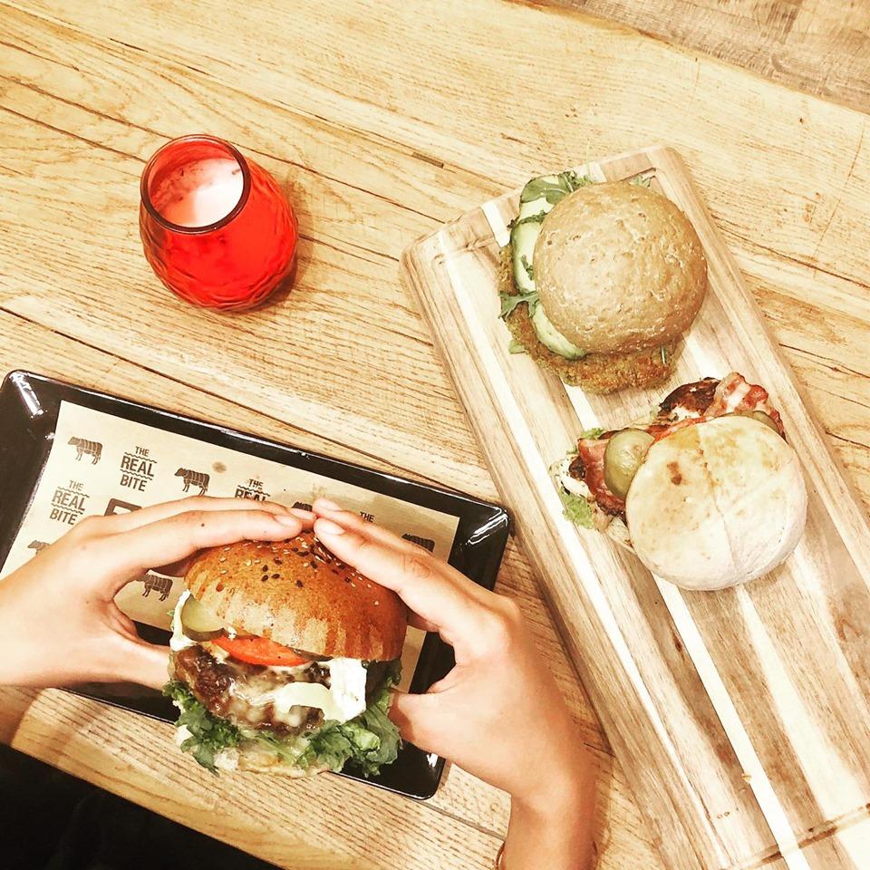 Les Bons plans à Bordeaux présentent : On a testé pour vous le Burger Bar ! Présentation des produits disponibles et notre avis ! 2