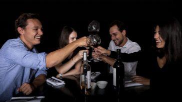 """Les bons plans à Bordeaux présentent : On a testé pour vous le restaurant """"Dans le noir ?"""" !"""
